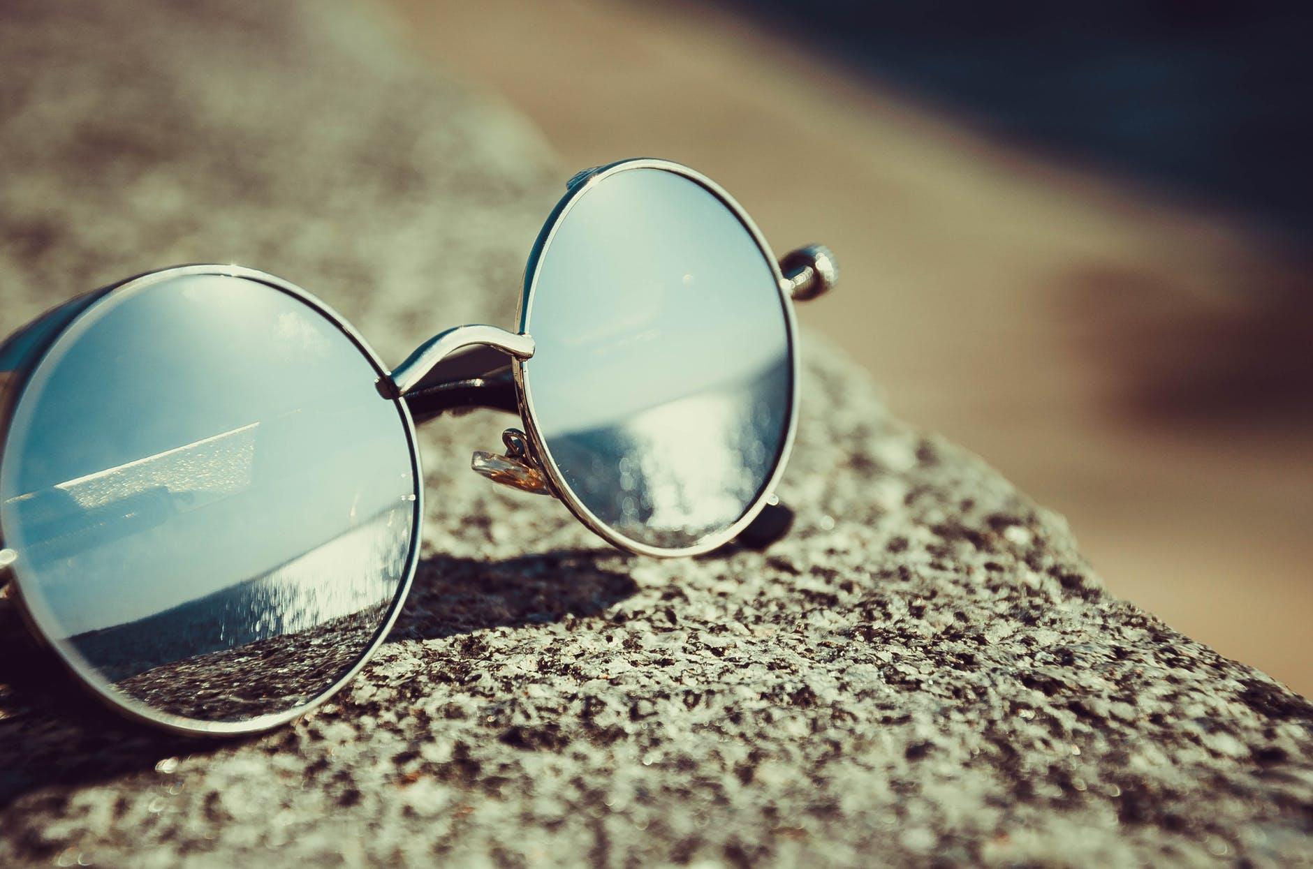 เลือกแว่นกันแดดให้เข้ากับรูปหน้า